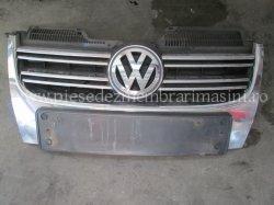 Grila fata Volkswagen Jetta 1.9tdi BKC   images/piese/286_img_2924_m.jpg