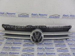 Grila fata Volkswagen Golf 4 | images/piese/513_sam_4872_m.jpg